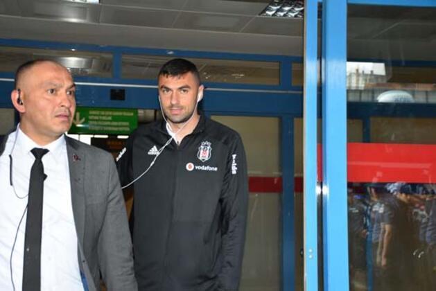 Devre arasında Trabzonspor'dan Beşiktaş'a gelen ve performansıyla adından söz ettiren Burak Yılmaz yine transferinin en çok konuşulan isimlerinden biri oldu. ( Berke Erşan - Skorer Dış Haberler )