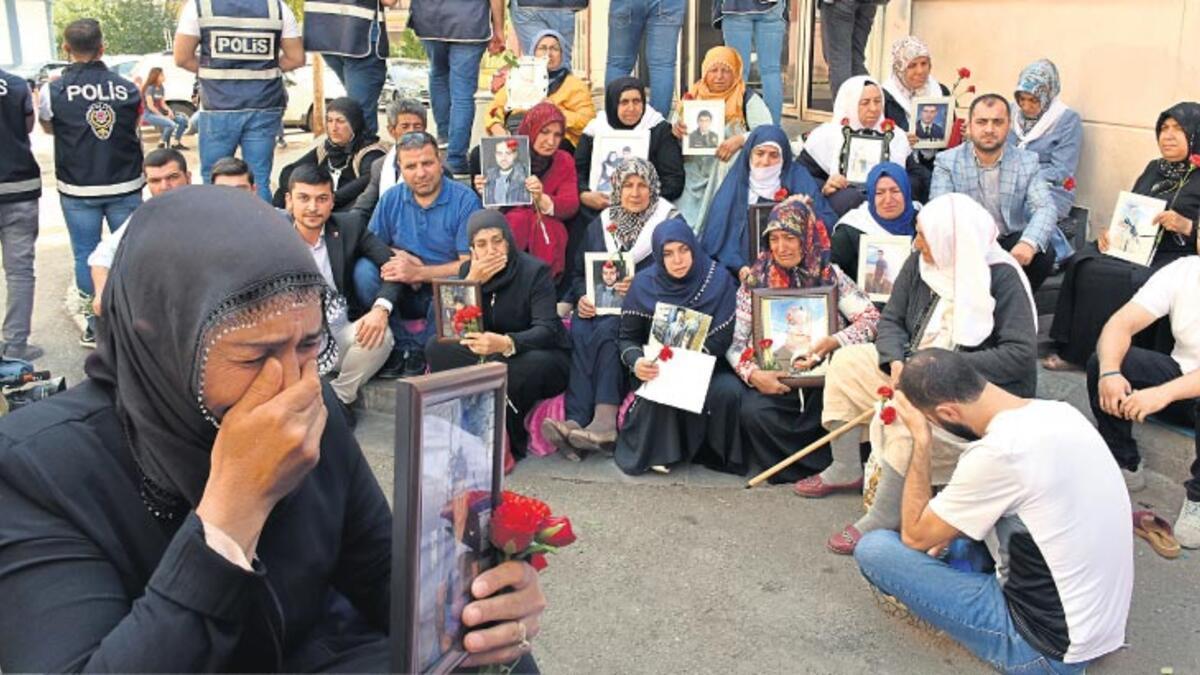 Diyarbakır anneleri, çocukları gelene kadar bekleyecek ile ilgili görsel sonucu