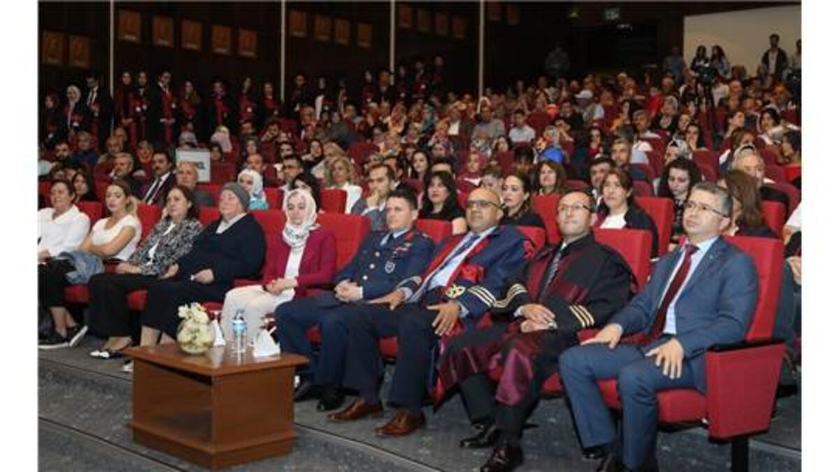 Eru Eczacilik Fakultesi Nde Mezuniyet Coskusu Kayseri Haberleri