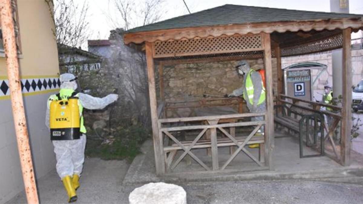 Bozüyük'te karantinaya alınan mahalle dezenfekte edildi