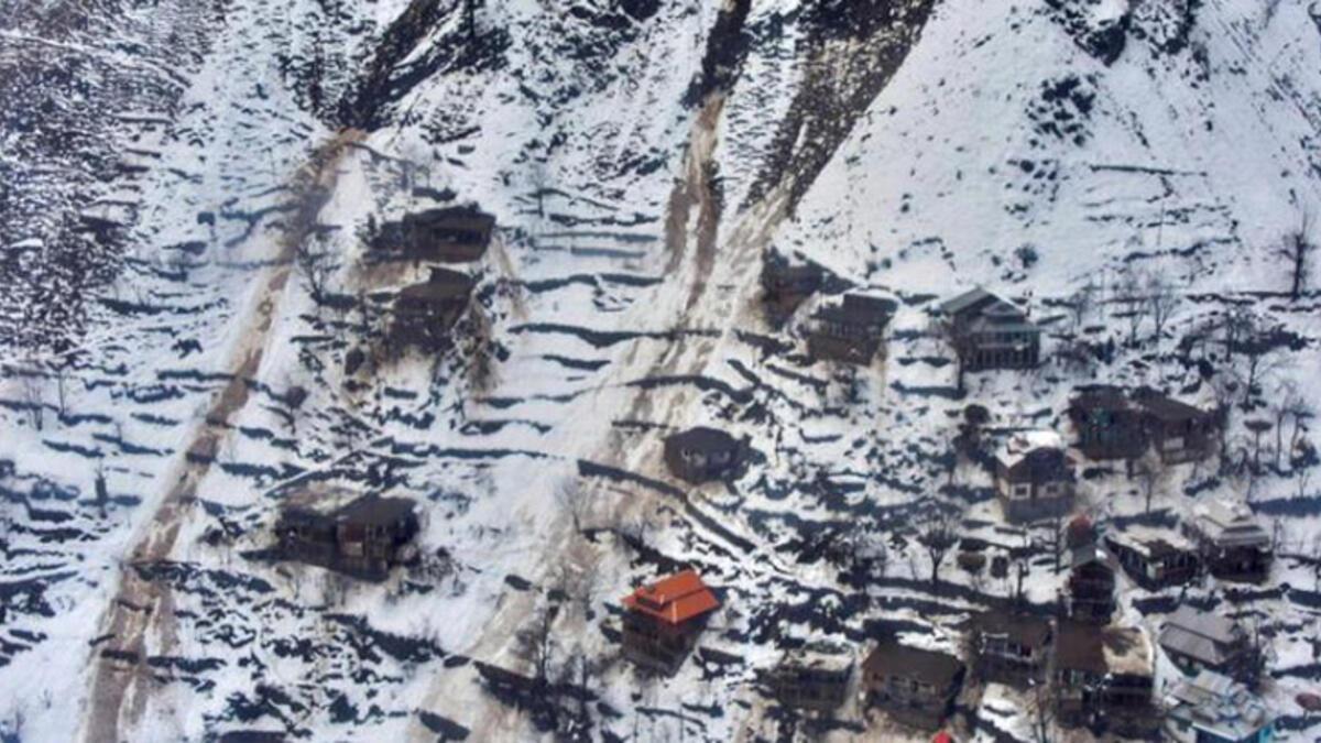 Pakistan'da facia... Toprak kaymasında 16 kişi öldü!