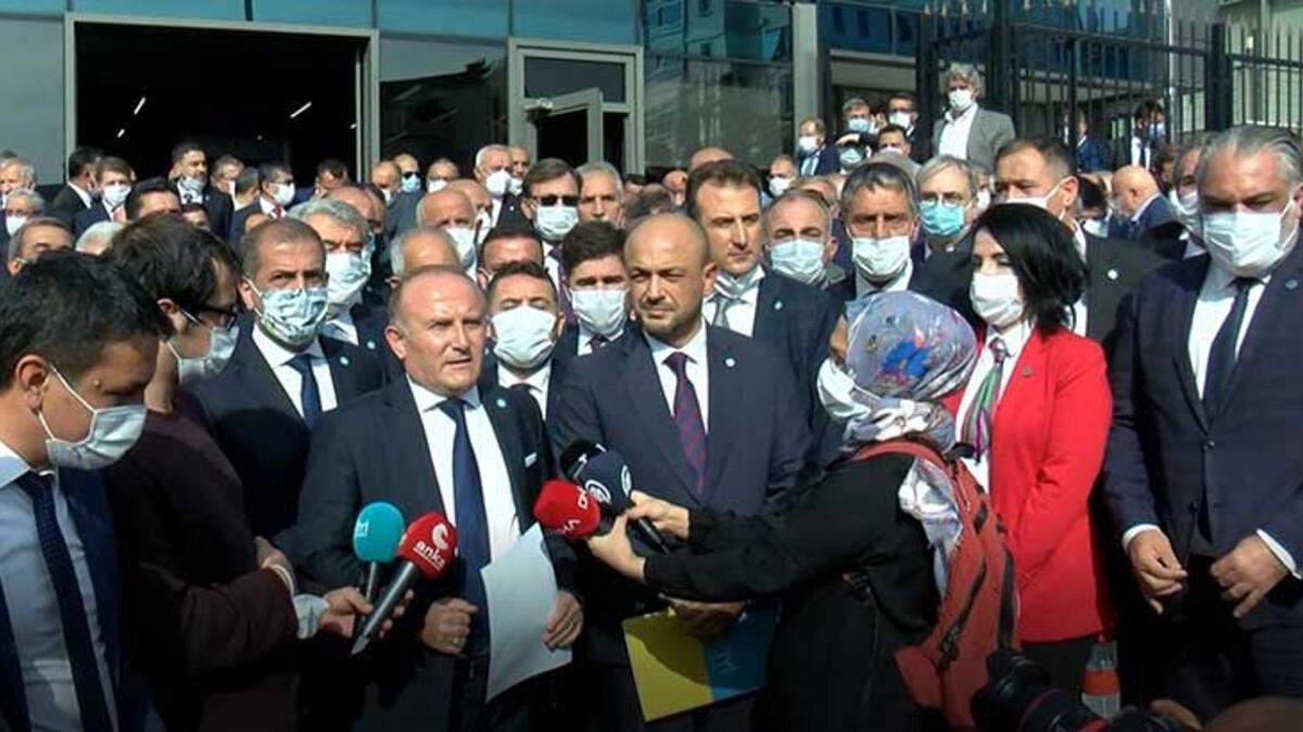 İYİ Parti'de il başkanları, Ümit Özdağ'ın ihracı için dilekçe verdi
