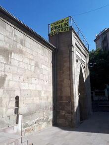 'Sahibinden kiralık tarihi medrese'
