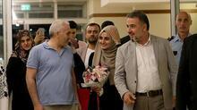 Son Dakika... Ebru Özkan Türkiye'ye döndü! Böyle karşılandı...