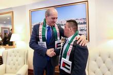 Bakan Kurtulmuş, Filistinli down sendromlu gençle buluştu