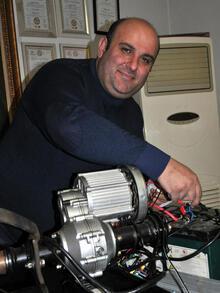 Yakıtsız çalışabilen motor geliştirdi