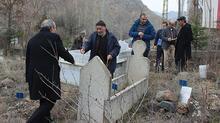 Mezarlar tek tek taşınıyor!