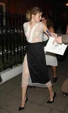 Amber Heard'a 'çıplak sahne' davası