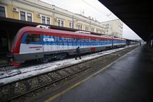 Provokatör Sırp treni Kosova'ya sokulmadı