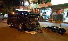 Lüks Arabaları 'Yol Kenarında' Tamir Eden Ultra Yetenekli Hong Konglular!