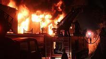 Son dakika: Karaman'da plastik fabrikasında yangın