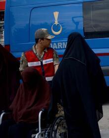 Kilis'te yakalandılar! DEAŞ'lı teröristler'in üzerinden çıkanlar dehşete düşürdü!