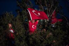 Son dakika... Türkiye ayakta! Tarihi gecede kalabalıkların ucu bucağı yok