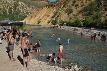 Ege, Akdeniz değil, Tunceli plajları!
