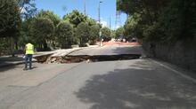 Son dakika... İstanbul Çamlıca'da yol çöktü!
