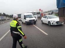 TIR, halk otobüsüne arkadan çarptı: 1'i ağır 9 yaralı