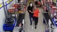 Kapanış saatine yakın markete girdi! Kasiyer kızı zorla oraya götürüp...