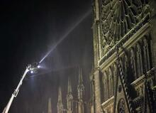 Son dakika | Paris'te tarihi Notre Dame Katedrali'nde korkunç yangın! Küle döndü...