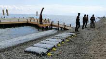 Yer: Balıkesir... İki gündür paketler halinde sahile vuruyor