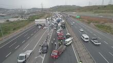 Son dakika: Kocaeli TEM'de zincirleme kaza trafik durdu