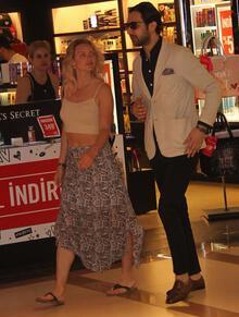 Oryantal dans dersi almak için İstanbul'a geldi