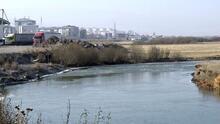 Kura Nehri'nin yüzeyi buz tuttu