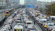 Trafikte yeni yıl tarifesi! Trafik sigortası ne kadar olacak?