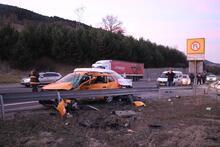 Bolu'da iki araç birbirine girdi! Ölü ve yaralılar var