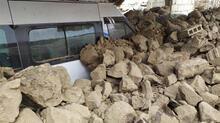 Son dakika: Türkiye-İran sınırında deprem! Van'da evler yıkıldı! Görüntüler peş peşe geliyor