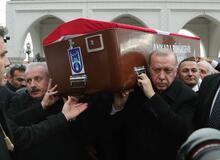 Eski bakanlardan Şevket Kazan için cenaze töreni düzenlendi