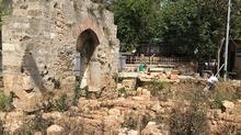 Antalya'da 40 mezar bulundu! Kazdıkça çıkıyor...