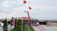 Salgın hastanesine 'Prof. Dr. Murat Dilmener Acil Durum Hastanesi' yazılı yeni tabela takıldı