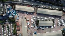 İSKİ'nin bahçesinde dikkat çeken yüzlerce araç