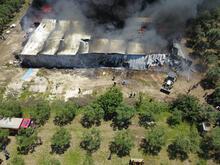 Son dakika... Geri dönüşüm tesisi küle döndü! 2 itfaiye eri ile 7 kişi dumandan etkilendi
