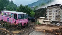 Rize'yi sel vurdu! 125 kişi bölgeden tahliye edildi