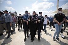 Van'da şehit olan polisler Üstüner ve Keskin son yolculuğuna uğurlandı