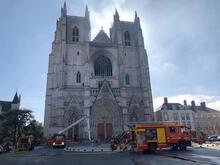 Fransa'da Nantes Katedrali'nde yangın