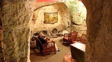Hava sıcaklığı dışarıda 40, mağarada 10 derece