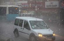 İstanbul'da sağanak ve dolu yağışı etkili oluyor