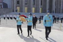 TBMM Başkanı Şentop'tan Atatürk Anıtı'na çelenk