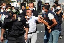 Harem'de eylem yapan minibüsçülere polis müdahalesi