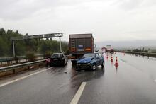 İzmir'de zincirleme trafik kazası! 9 araç birbirine girdi