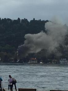 Son dakika... Tarihi camide yangın paniği!