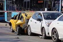 Ehliyetine süresiz el konulan sürücü kırmızı ışıkta dehşet saçtı