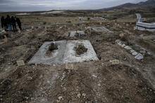 Son dakika: Korona virüsten ölenler bu mezarlığa gömülüyor! Görenleri hayrete düşürdü