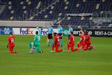 Maccabi Tel Aviv - Sivasspor maçında ırkçılık tepkisi! Sahada diz çöktüler...