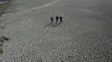 Aylar içinde değişti! Bursa'da mezarlar ortaya çıktı