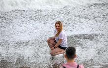 Dünyaca ünlü sahilde görenler telefona sarıldı