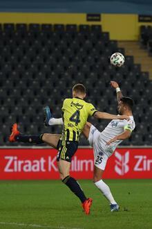 Son dakika - Fenerbahçe - Kasımpaşa maçına damga vuran an! Telefonla baktı...