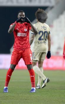 Sivasspor - Fenerbahçe maçından görüntüler